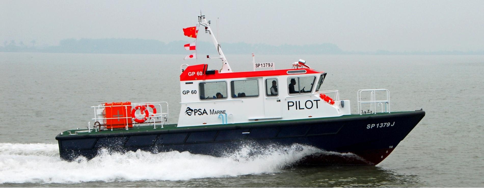 #5102 15m GRP Pilot launch  DSC_0063a